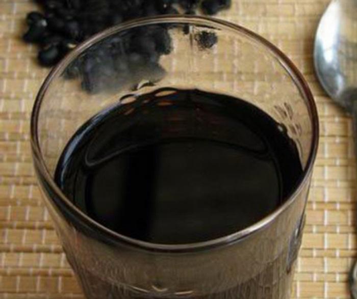 Nước đậu đen rang tốt cho sức khỏe, trị được nhiều bệnh.