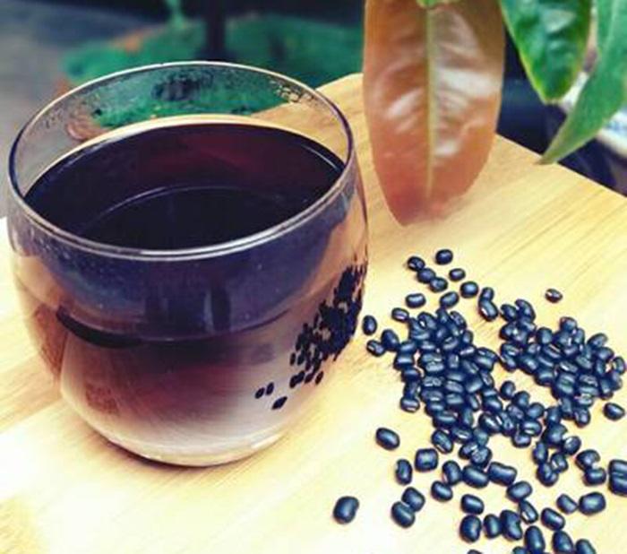 Uống nước đậu đen giải nhiệt tốt cho sức khỏe