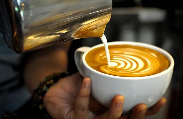 Uống cà phê nguyên chất, không thêm đường, sữa là đồ uống giảm cân nhanh bất ngờ