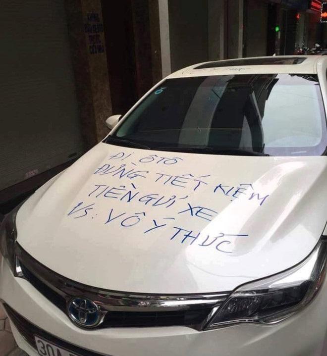 Muôn vàn cách xử lý của chủ nhà khi bị đậu xe chắn lối ra vào - Ảnh 3