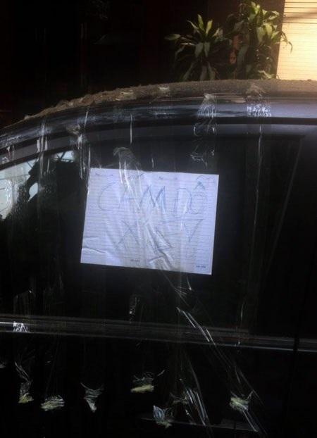 Muôn vàn cách xử lý của chủ nhà khi bị đậu xe chắn lối ra vào - Ảnh 6