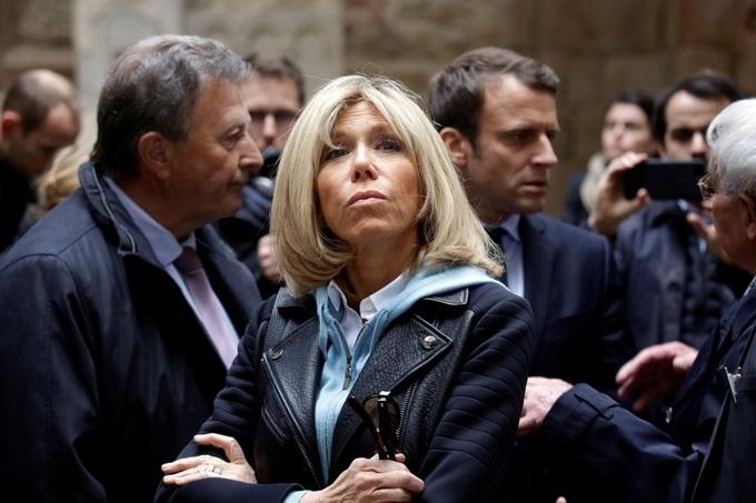 Phong cách thời trang của vợ Tổng thống Pháp mới đắc cử - Ảnh 1