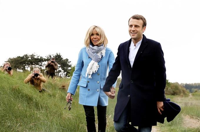 Phong cách thời trang của vợ Tổng thống Pháp mới đắc cử - Ảnh 2