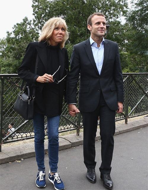 Phong cách thời trang của vợ Tổng thống Pháp mới đắc cử - Ảnh 4