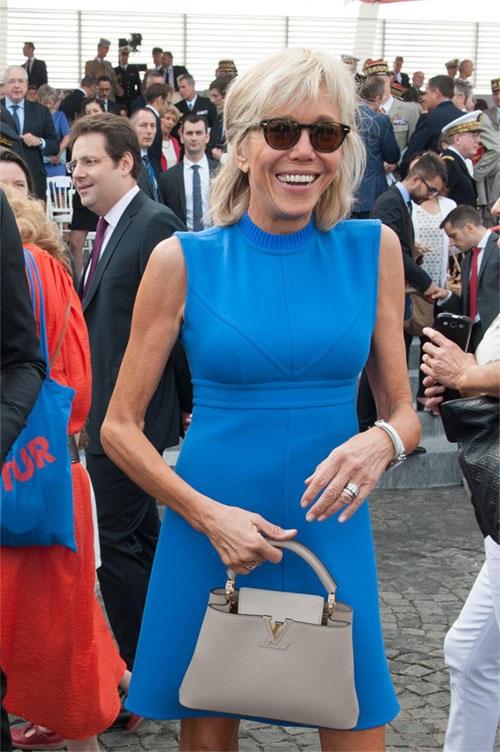 Phong cách thời trang của vợ Tổng thống Pháp mới đắc cử - Ảnh 5