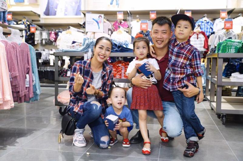 Cuộc sống của những gia đình đông con nhất showbiz Việt - Ảnh 8