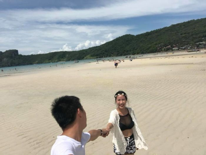 'Trốn con' đi kỷ niệm 9 năm ngày cưới, Ốc Thanh Vân và chồng khiến chị em trầm trồ khi vẫn lãng mạn, ngọt ngào như thuở mới yêu - Ảnh 3