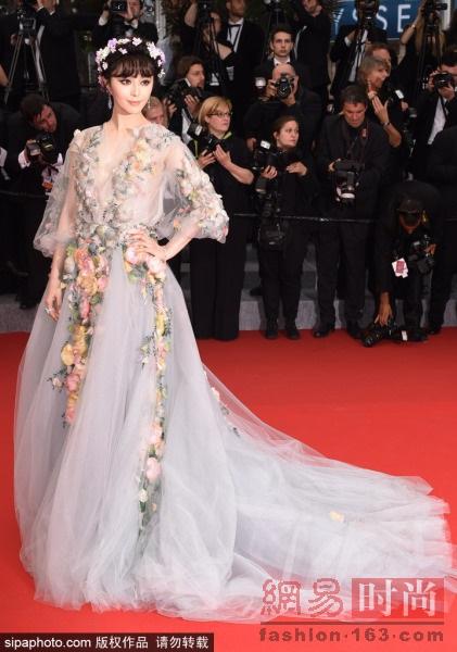 Những bộ cánh đẹp nhất của Phạm Băng Băng tại các mùa Liên hoan phim Cannes - Ảnh 12
