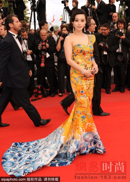 Những bộ cánh đẹp nhất của Phạm Băng Băng tại các mùa Liên hoan phim Cannes - Ảnh 6