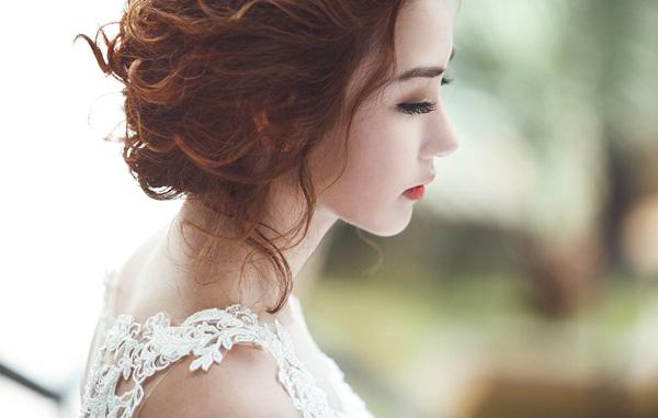Phải tổ chức đám cưới trong căn nhà tồi tàn cô dâu khóc tức tưởi vì bị lừa, nào ngờ khách về hết thì mới bất ngờ với món quà từ vị hôn phu của mình - Ảnh 2