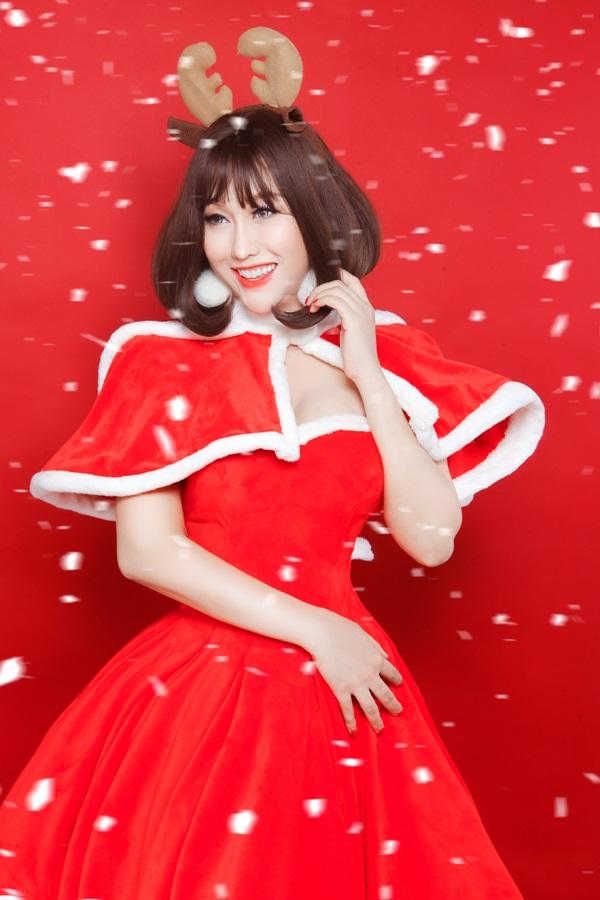 Phi Thanh Vân tung ảnh Giáng sinh đẹp ngỡ ngàng bên con trai - Ảnh 5