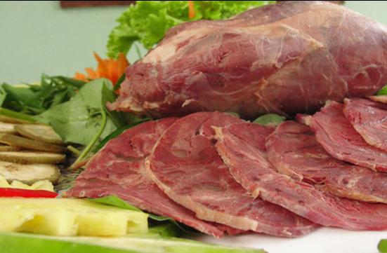 Trước khi vào bếp, bạn cần chọn đúng loại bắp bò ngon - Ảnh minh họa: Internet
