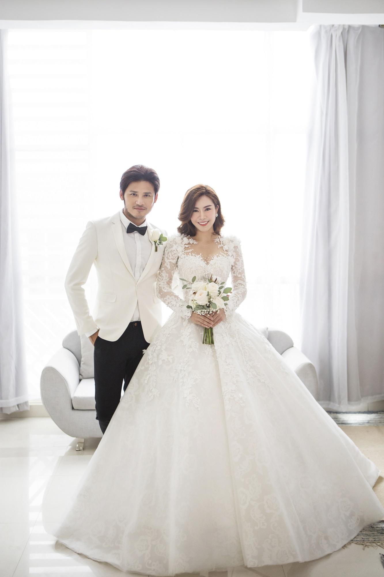 Diễn viên Gạo nếp gạo tẻ 'khoá môi' bạn trai ngọt ngào trong ảnh cưới - Ảnh 6