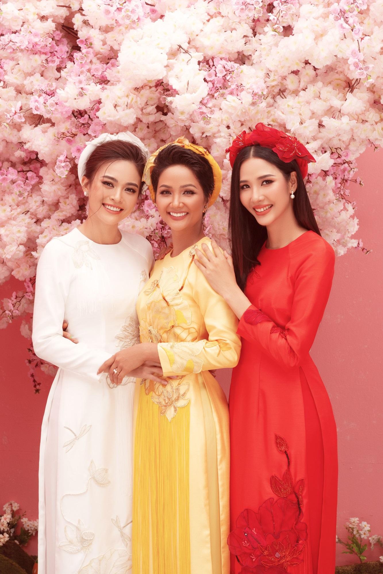Ba nàng Hậu Việt Nam - H'Hen Niê, Á hậu Mâu Thủy, Hoàng Thùy 'đọ sắc' trong bộ ảnh đón Xuân Kỷ Hợi - Ảnh 1