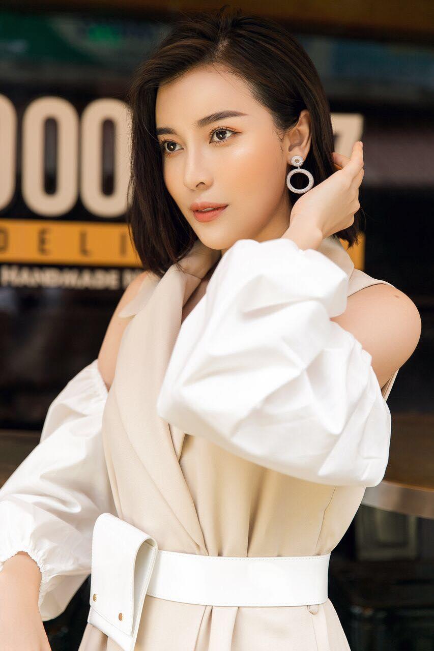 Cao Thái Hà: 'Sắc đẹp, danh vọng dễ khiến người đẹp thành mồi ngon cho kẻ xấu gạ gẫm' - Ảnh 2