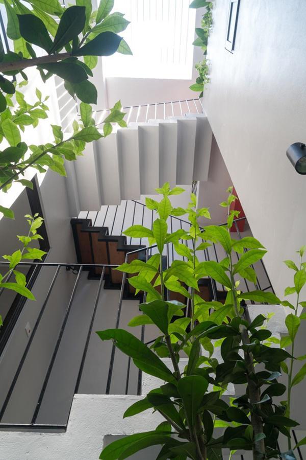 Kiến trúc vừa đảm bảo tính an ninh, vừa giúp không gian sống thoáng đãng, vừa giàu tính thẩm mỹ này được tạp chí kiến trúc hàng đầu thế giới ArchDaily hết lời khen ngợi.