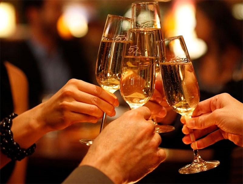 Uống quá nhiều rượu có thể là suy giảm nhu cầu tình dục nhanh chóng