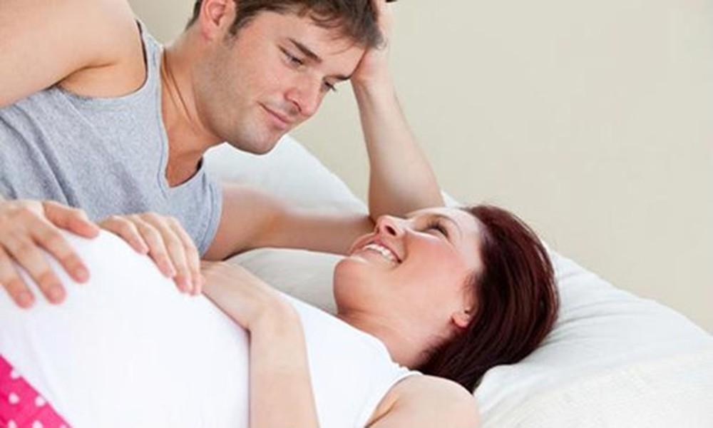 Quan hệ tình dục khi mang thai sẽ giúp hạn chế tình trạng tiểu rắt