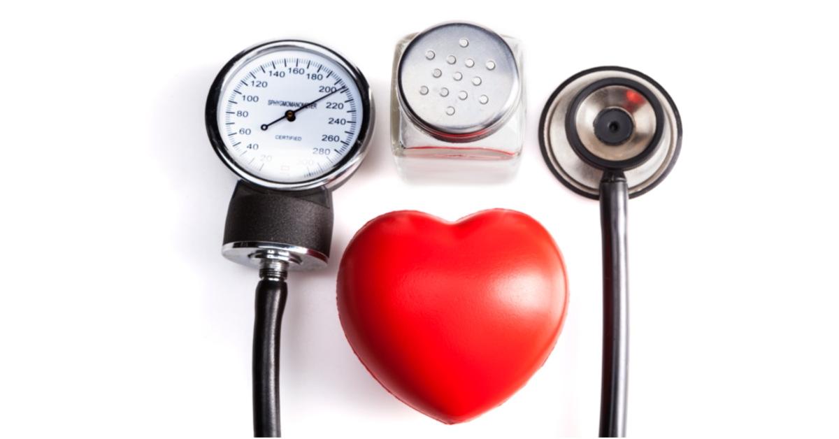 Huyết áp tăng giảm thất thường là một trong những hệ quả do sử dụng quá nhiều bia rượu gây ra