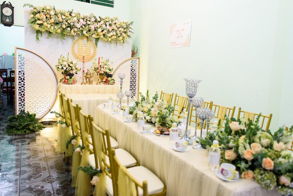 Dàn sao 'Gạo nếp gạo tẻ' vui nhộn bưng quả trong lễ rước dâu của Vũ Ngọc Ánh - Anh Tài - Ảnh 1
