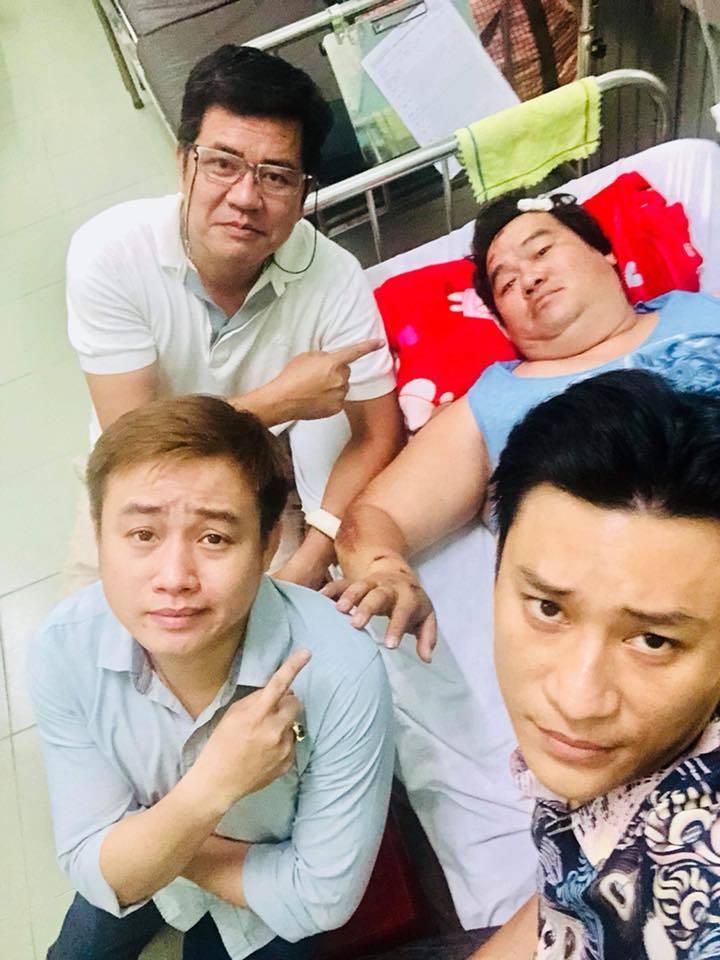 Hoàng Mập bị tông xe, đầu bê bết máu phải nhập viện lúc nửa đêm - Ảnh 3