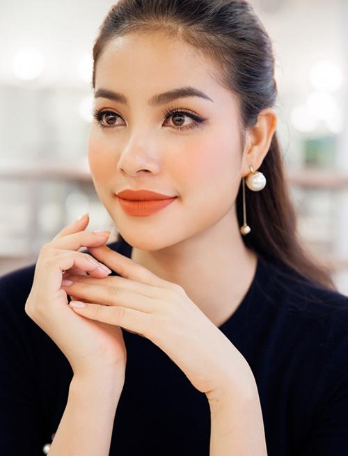 3 kiểu lông mày được mỹ nhân Việt