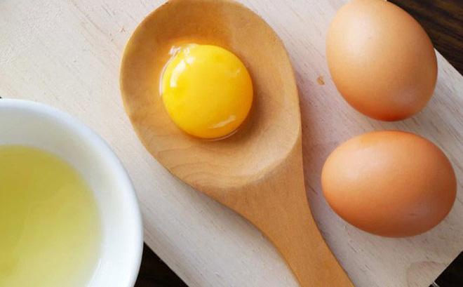Chỉ cần 1 quả trứng gà da đẹp như em bé - Ảnh 1