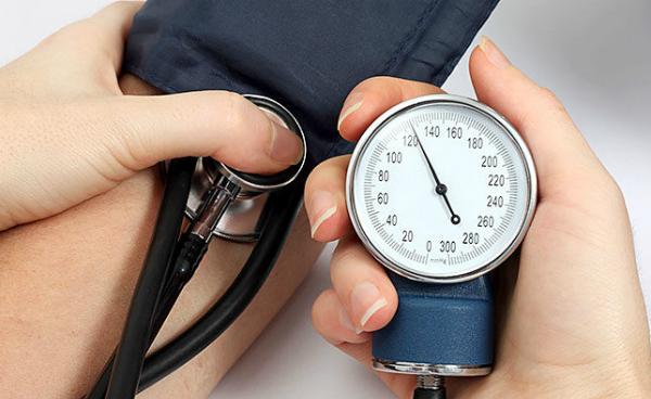 Cao huyết áp (tăng huyết áp) là tình trạng áp lực máu đẩy vào thành động mạch khi tim bơm máu đi quá cao
