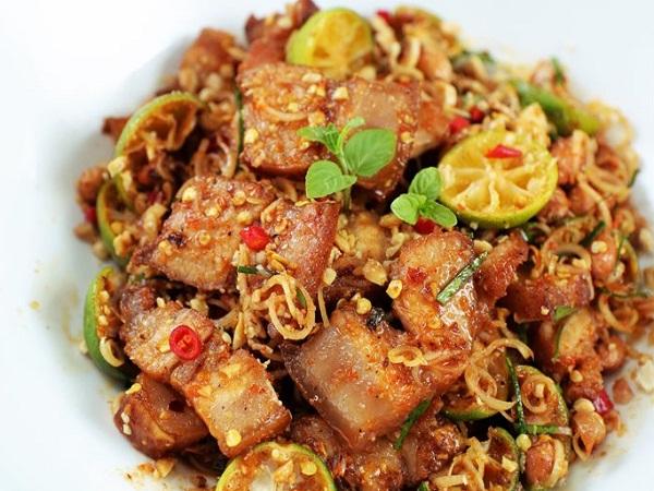Món thịt ba chỉ lắc sả tắc được chế biến đơn giản, nhanh chóng mà ngon mê đắm