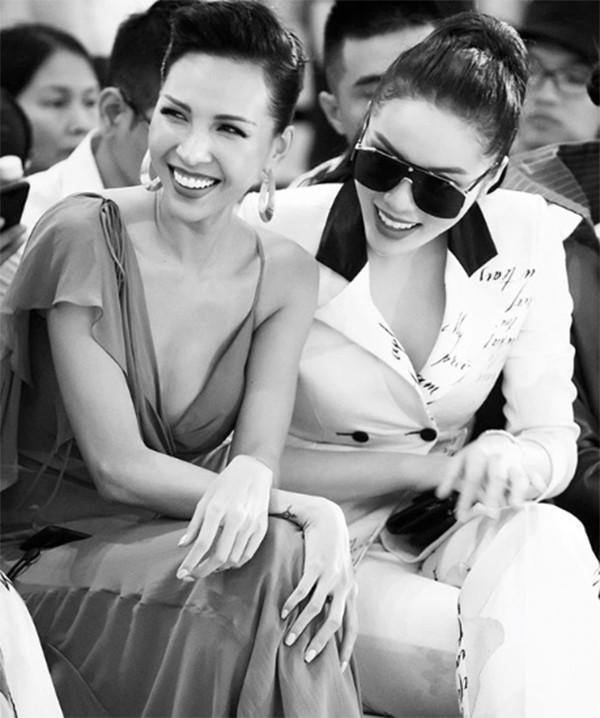 Bỏ mặc bà mẹ 'bỉm sữa' Diệp Lâm Anh, Kỳ Duyên diện áo đôi 'chị chị em em' với siêu mẫu Minh Triệu - Ảnh 10
