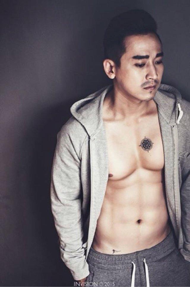Dàn sao nam U40của showbiz Việt cởi áo khoe body 6 múi khiến fan mê mẩn - Ảnh 5