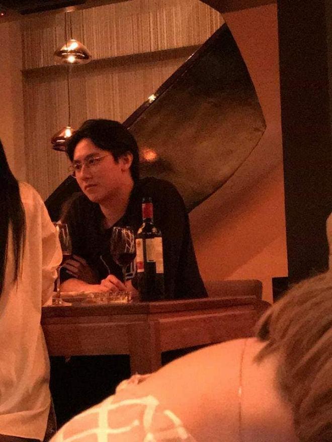 Rocker Nguyễn lấy lại vẻ 'nam thần' sau thời gian xuống sắc tàn tạ - Ảnh 4
