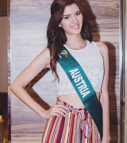 Á hậu 1 Melanie Mader sở hữu nhan sắc cùng thân hình quyến rũ không thua kém gì Hoa hậu Phương Khánh. Ảnh: Instagram