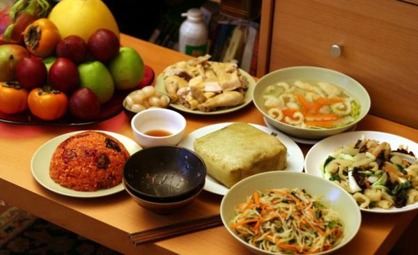 Chọn món ăn Tết cho người cao huyết áp - Ảnh 1