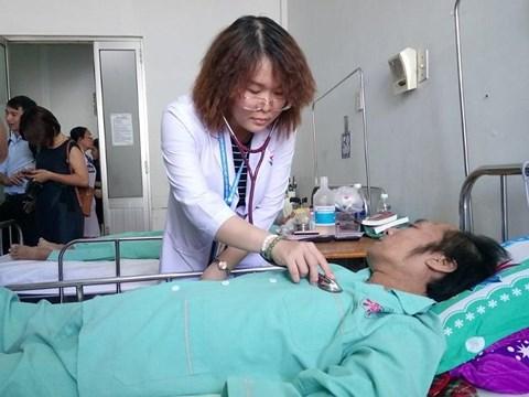 Bệnh nhân ngưng tim 1 tiếng đồng hồ được cứu sống kỳ diệu - Ảnh 1