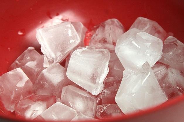 Đắp đá lạnh 30 phút mỗi ngày, mỡ bụng 'tan biến' trong vòng 2 tuần - Ảnh 1