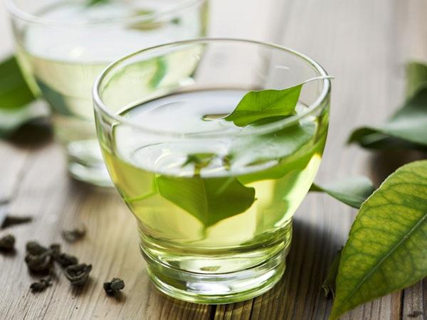 Phương pháp trị mụn đầu đen bằng trà xanh