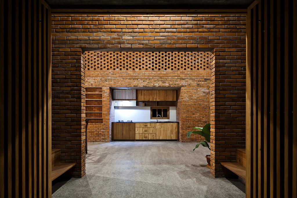 Nhà xây gạch nung không tô vữa có một không hai ở Đà Nẵng - Ảnh 7