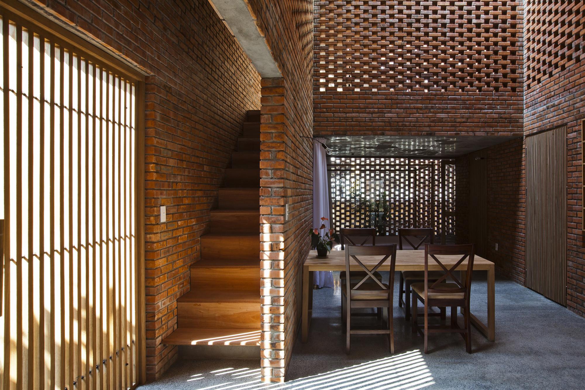 Nhà xây gạch nung không tô vữa có một không hai ở Đà Nẵng - Ảnh 4