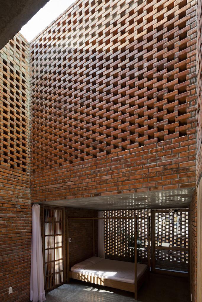 Nhà xây gạch nung không tô vữa có một không hai ở Đà Nẵng - Ảnh 9