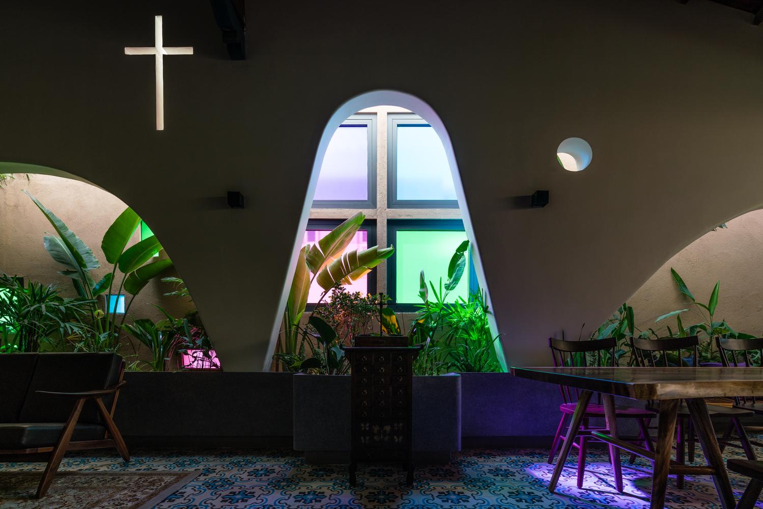 Nhà phố đẹp không tưởng của gia đình Công giáo ở Bà Rịa – Vũng Tàu - Ảnh 9