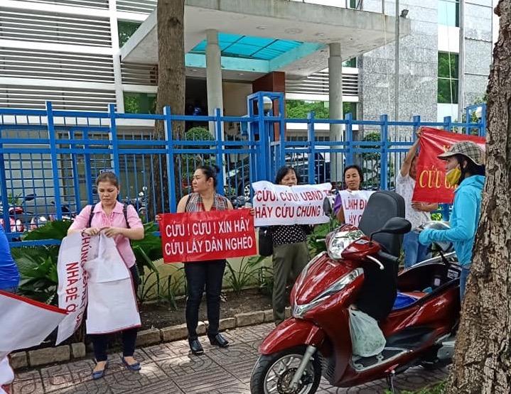 """Dân mua nhà ở xã hội 35 Hồ Học Lãm """"quậy tưng"""" Sở Xây dựng TP.HCM - Ảnh 3"""