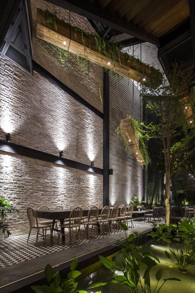 Thiết kế táo bạo: Mang vườn treo vào quán cà phê - Ảnh 10