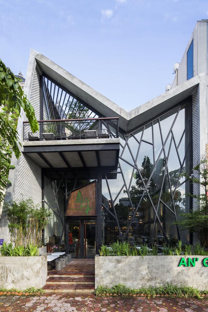 Thiết kế táo bạo: Mang vườn treo vào quán cà phê - Ảnh 1