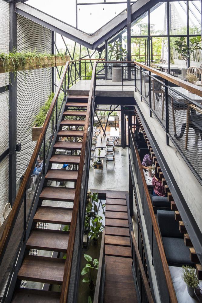 Thiết kế táo bạo: Mang vườn treo vào quán cà phê - Ảnh 7