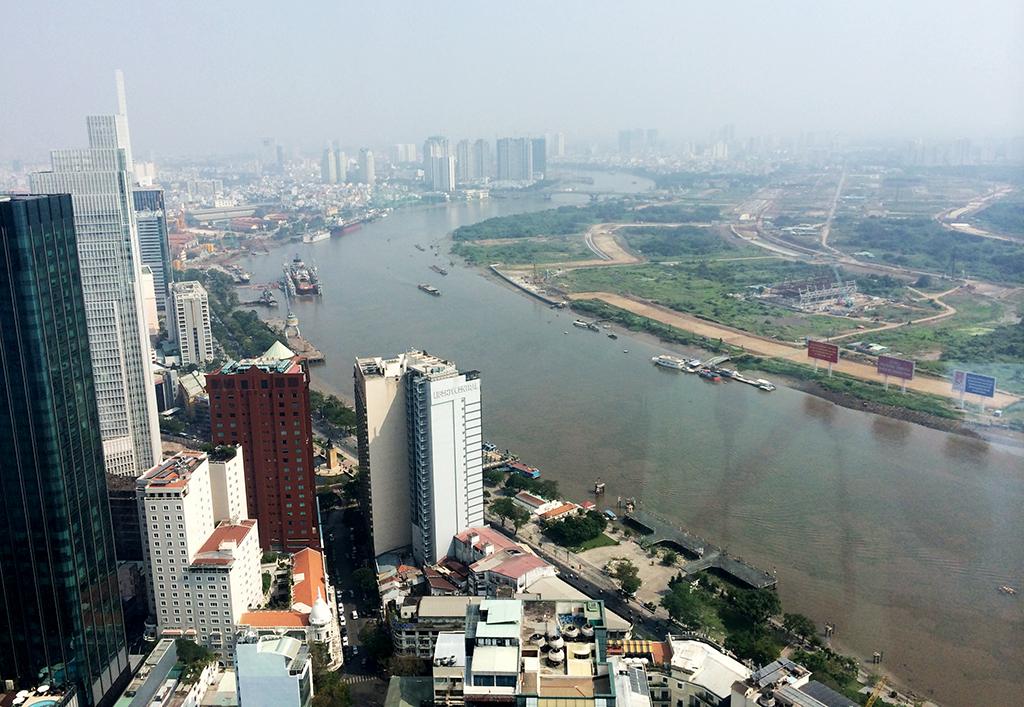 TP.HCM: Nguồn cung khan hiếm, doanh nghiệp thuê văn phòng có xu hướng dạt về vùng ven - Ảnh 1