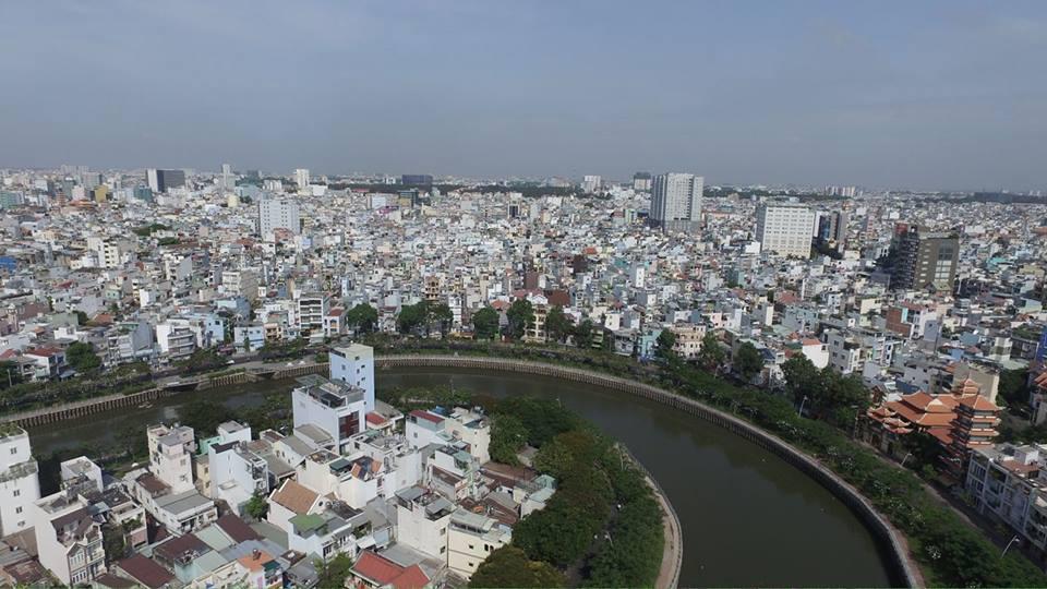 Pháp lý dự án bị trì hoãn ảnh hưởng đến nguồn cung căn hộ tại TP.HCM - Ảnh 1