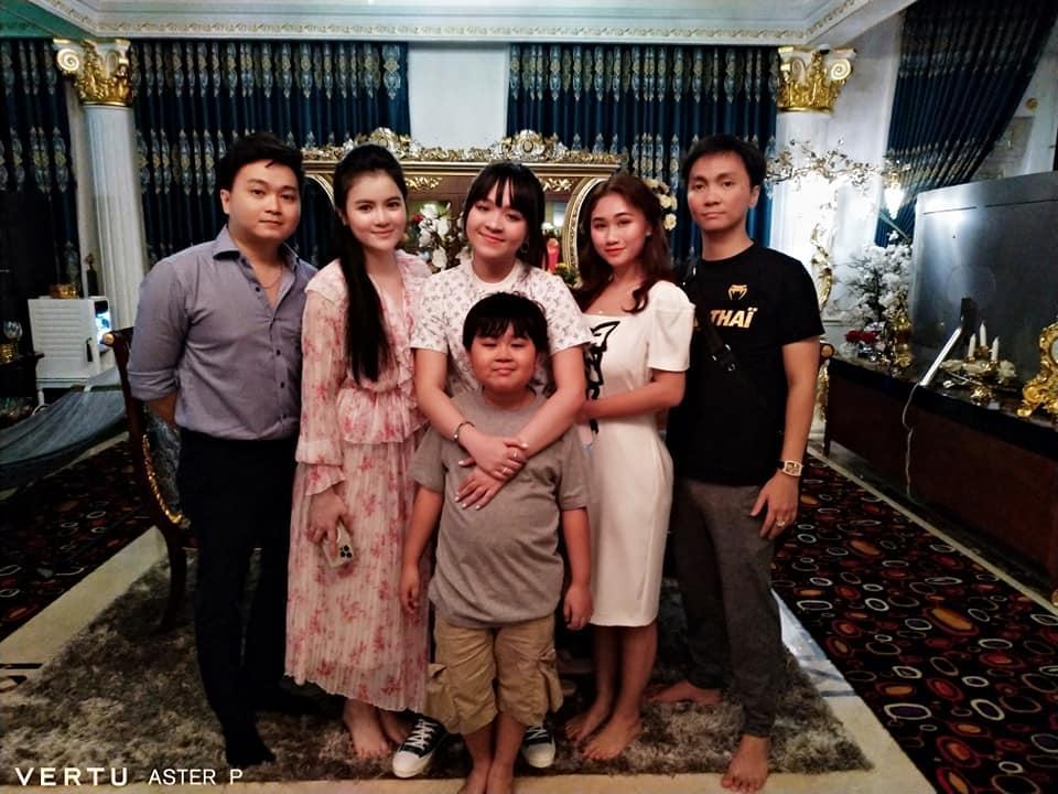 Nhan sắc con dâu CEO Đại Nam sau lễ dạm ngõ ngập tràn kim cương - Ảnh 1