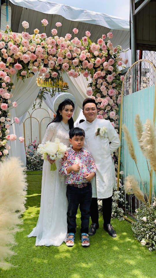 Nhan sắc con dâu CEO Đại Nam sau lễ dạm ngõ ngập tràn kim cương - Ảnh 2