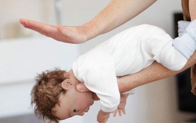Bí quyết chữa bé bị sặc cháo cha mẹ nào cũng cần phải biết - Ảnh 2